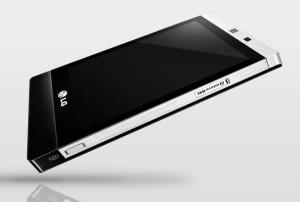 Самый тонкий мобильник LG Mini с экраном 3,2-дюйма